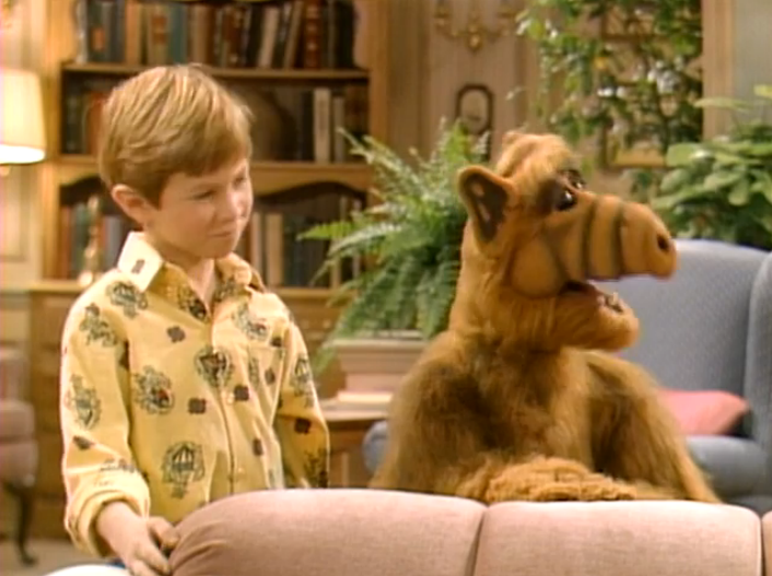 "ALF Reviews:  ""Help Me, Rhonda""  (Season 1, Episode 7)"