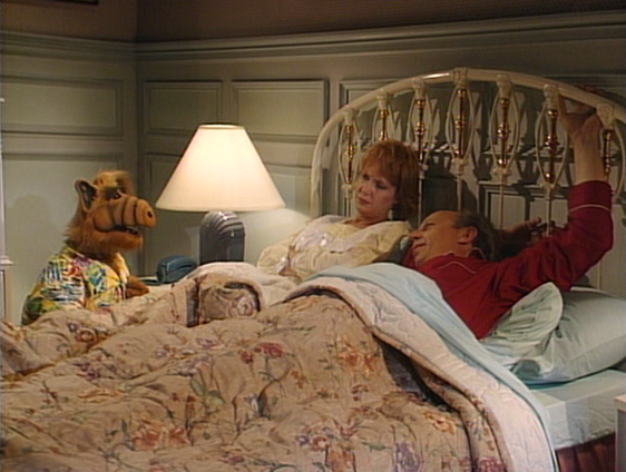 "ALF, ""Somewhere Over the Rerun"""
