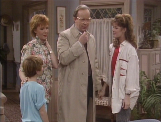 "ALF Reviews: ""Movin' Out"" (season 2, episode 21)"
