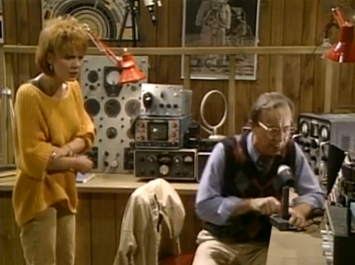 "ALF Reviews:  ""A.L.F.""  (Season 1, Episode 1)"